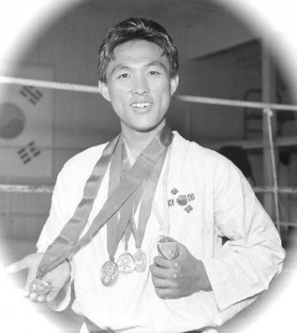 Medals won by Korea's Greatest National Champion Dong Keun Park